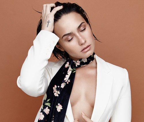 Além de Demi Lovato, gravadora e produtores foram processados (Divulgação)