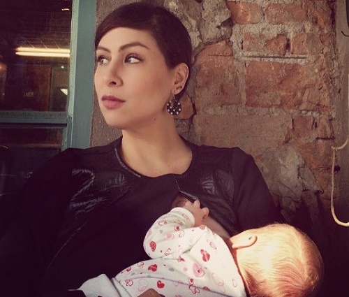 Pitty divulga rara foto amamentando a filha nas redes sociais