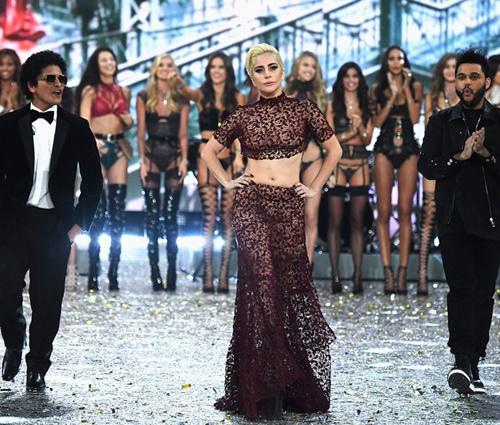 Evento'Fashion Show' deste ano foi exibido na TV americana (Divulgação)