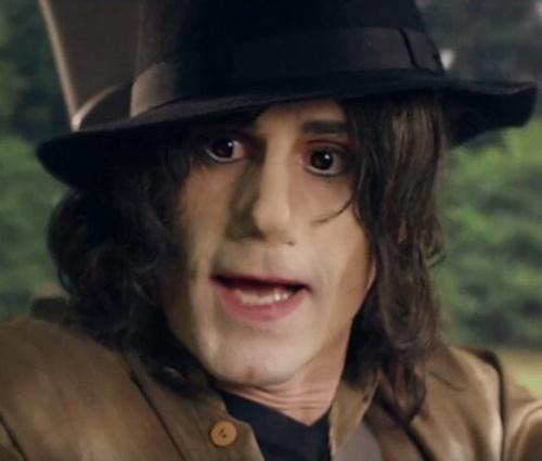 Caracterização do ator em 'Elizabeth, Michael and Marlon' não agradou (Reprod.)