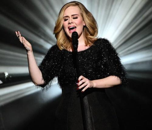 Adele mostrou-se compreensiva com relação às atitudes de Bieber (Divulgação)