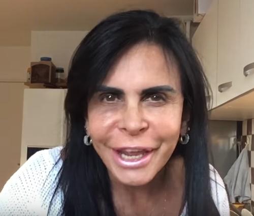 Situação foi relatada em canal de Gretchen no YouTube (Reprodução)