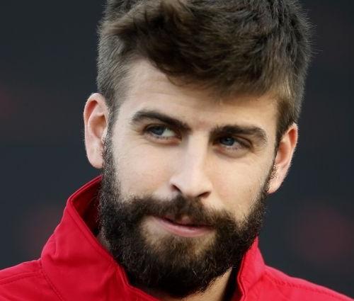 Jogador de futebol é casado com a cantora colombiana (Rep./Twitter)