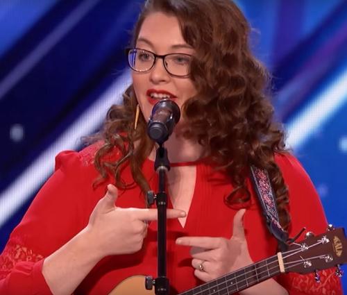 Talentosa, Mandy Harvey fez apresentação tocante na TV (Reprodução/YouTube)