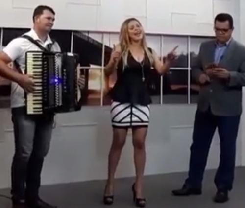 Performance foi gravada minutos antes de ela morrer em acidente (Reprodução)