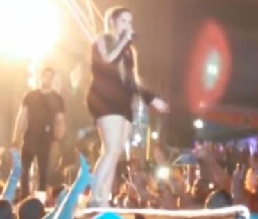 Momento desagradável ocorreu durante show em Senhor do Bonfim, BA (Reprodução)
