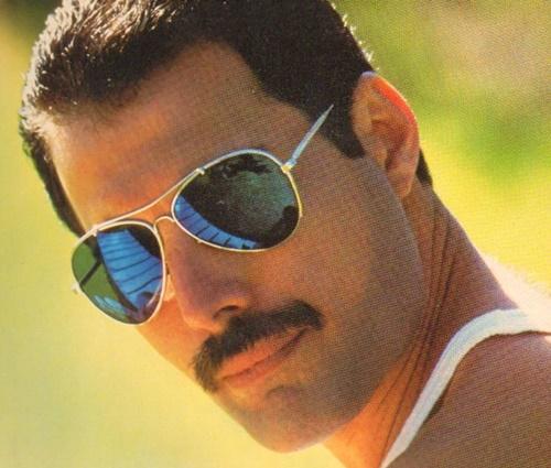 Filme sobre Freddie Mercury ganha título e data de estreia