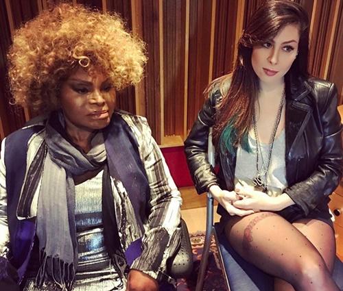 Elza Soares gravou a música'Na Pele' com Pitty (Reprodução/Twitter)