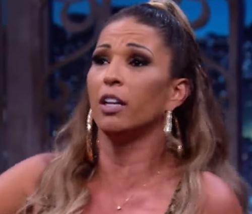 'Não me incomodo com ela', diz Valesca sobre Anitta (Reprodução/YouTube)