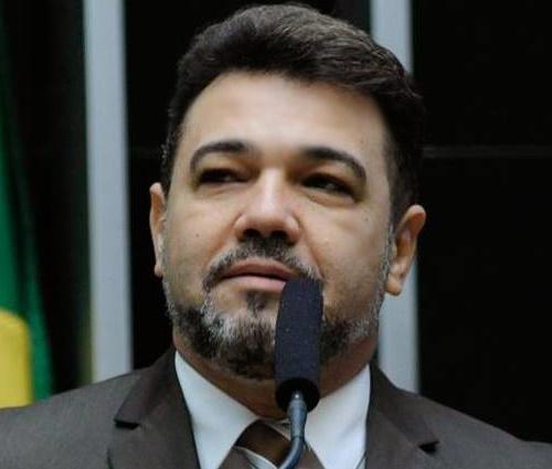 Projeto de Feliciano quer proibir 'profanação de símbolos religiosos' em shows