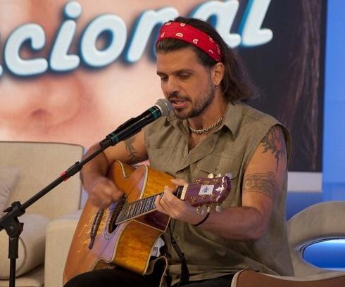 'Foi uma idiotice minha', afirmou o cantor (DIvulgação/RedeTV!)