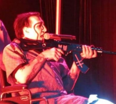 Para muitos, Manson 'errou' graças a atentados recentes nos EUA (Reprodução)