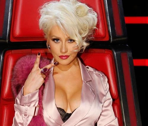 Homenagem anterior a Whitney, feita por Christina no The Voice, causou polêmica