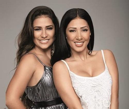 As irmãs também posaram em outros looks para a marca (Marisa/Divulgação)