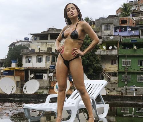 Clipe de'Vai Malandra' foi gravado no morro do Vidigal, no Rio (Divulgação