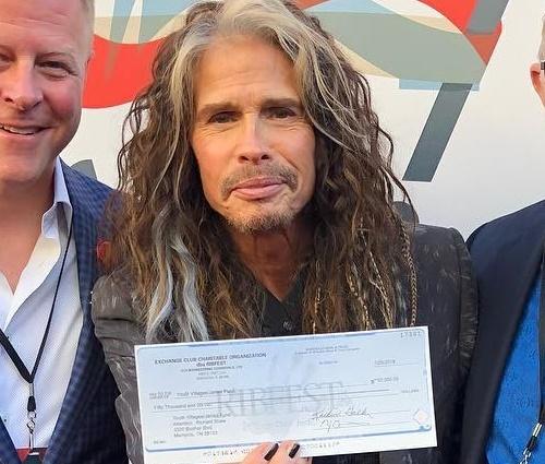 Dinheiro foi arrecadado para a ONG Janie's Fund (Reprodução/Instagram)