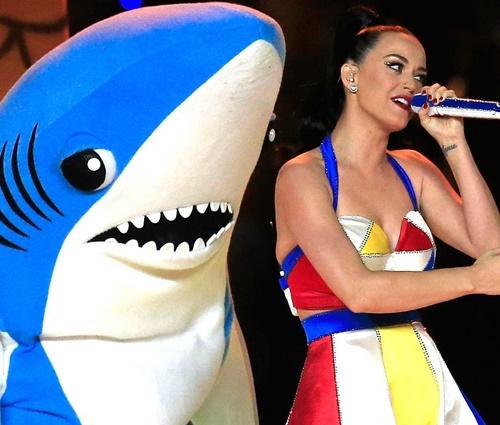 Bryan Gaw ficou famoso como o desengonçado tubarão dançarino (Reprodução)