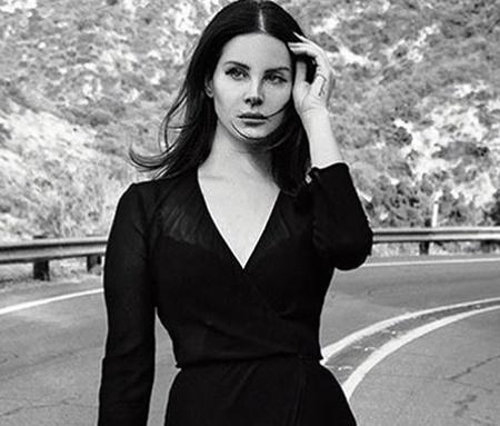 Lana regravou música em homenagem a Andrew Lloyd Weber (Reprodução/Instagram)