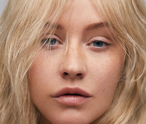 Visual da cantora sem maquiagem surpreendeu os fãs (Instagram)