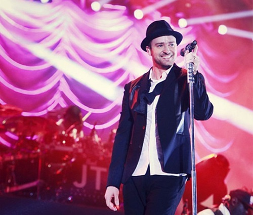 Vídeo: Justin Timberlake ajuda fã a anunciar sua gravidez durante show