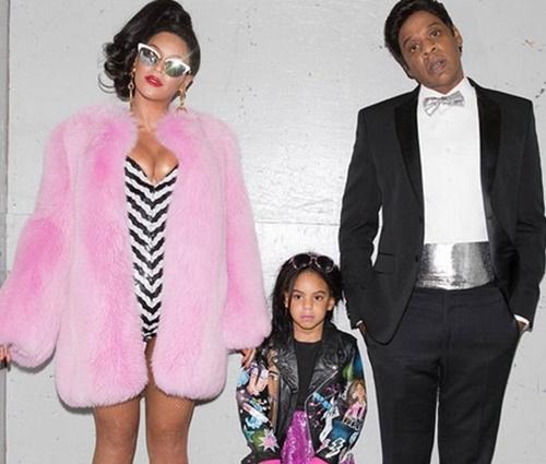 A pequena Blue Ivy, ao lado dos pais Beyoncé e Jay-Z (Reprodução/Instagram)