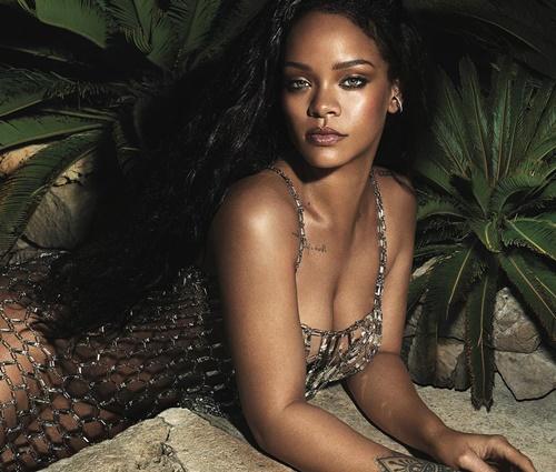 Rihanna está cada vez mais inserida no mundo da moda (Instagram/Vogue América)