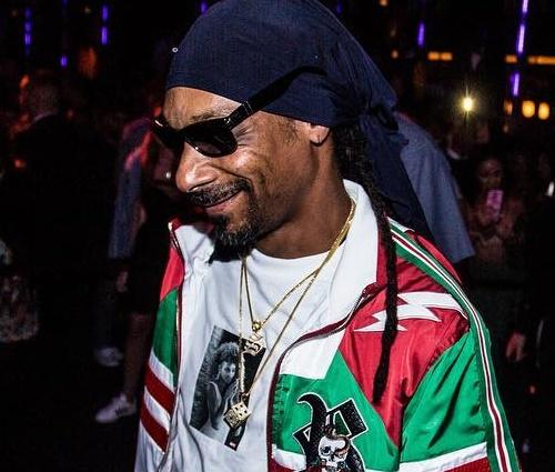Rapper usou 180 garrafas de gim e entrou para o Guinness (Reprodução/Instagram)