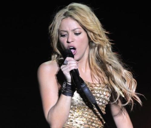 Shakira teve séria hemorragia nas cordas vocais (Divulgação)