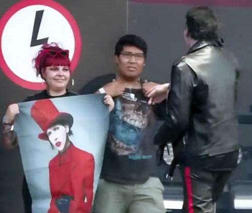 Manson foi vaiado após atitude com jovem fã do Avenged Sevenfold (Repr./YouTube)