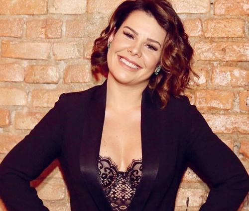 Hoje apresentadora, Fernanda Souza diz que dublava muito bem (Repr./Instagram)