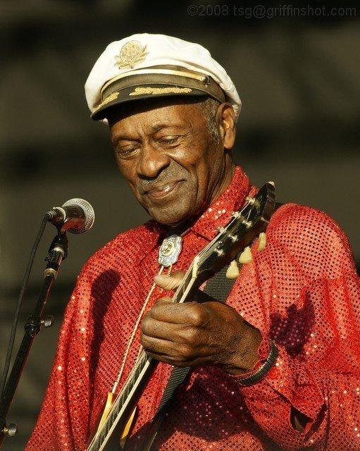 Chuck Berry ganha estátua nos Estados Unidos